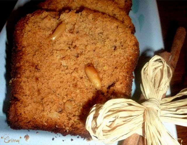 cake miel cannelle et pignons de pin le blog de. Black Bedroom Furniture Sets. Home Design Ideas