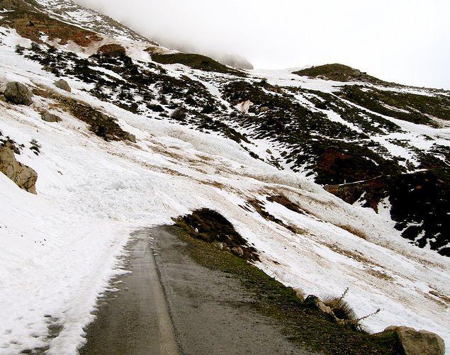 Avalanche entre Tikjda et Ath yenni