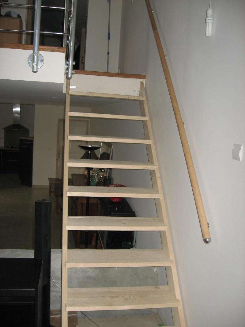 Peindre un escalier en pin brut - Peindre dans un escalier ...